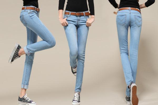 Mujeres usando pantalón