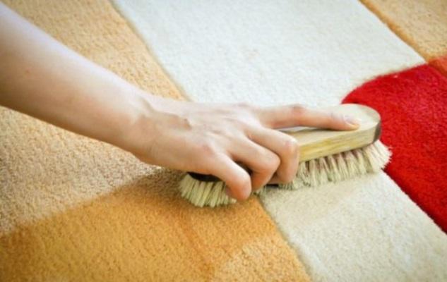 manchas de la alfombra