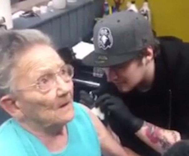anciana escapa residencia primer tatuaje 1