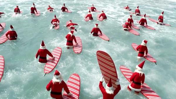 christmas surf INT