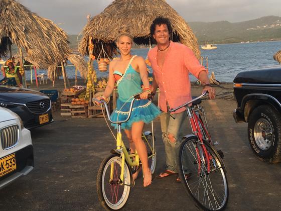 La-Bicicleta-Shakira-Carlos-Vives-ksxD-U20174021410JVD-560x420MujerHoy.jpg
