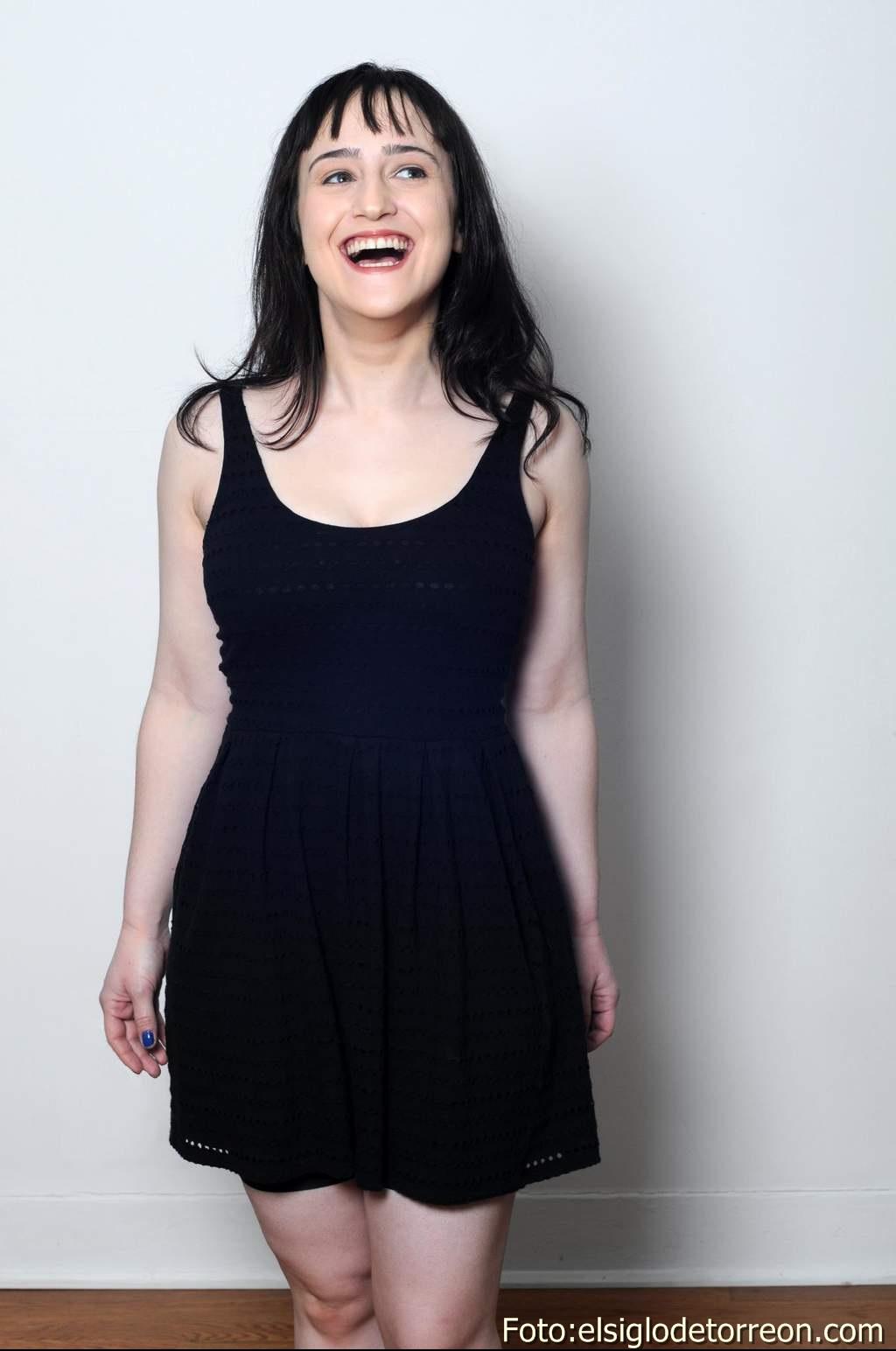 Allison Lozz Desnuda actriz – candela
