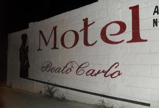 Motel 01