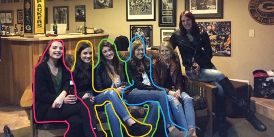¿Cuántas piernas y mujeres ves?