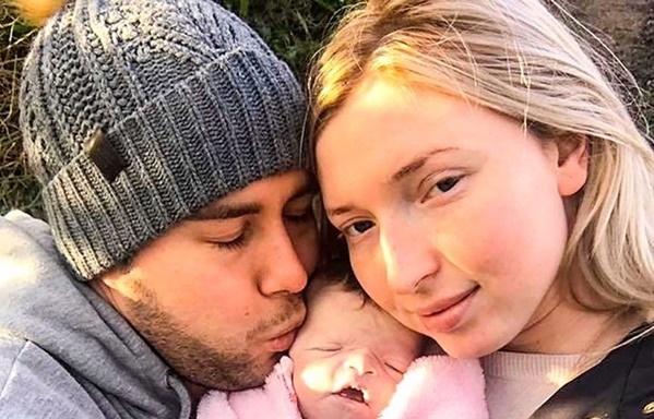 Pareja vivió 16 días con su bebé muerta