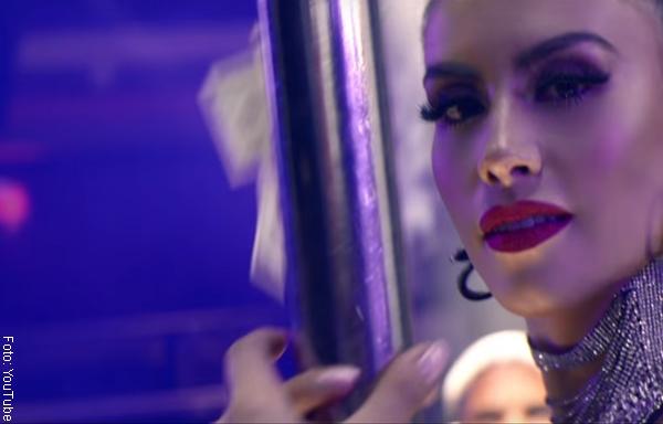 Jessica Cediel Es Pura Candela En Nuevo Video De Romeo Santos
