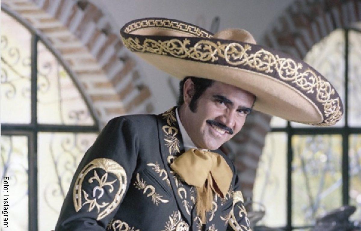 Vicente Fern U00e1ndez Celebra Convertirse En Bisabuelo