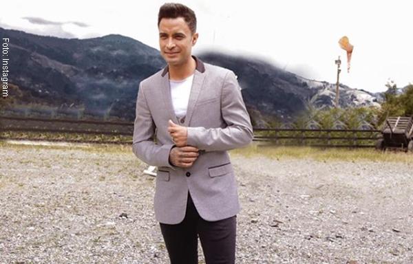 Jhon Alex Castaño denuncia 'manoseo' en pleno concierto