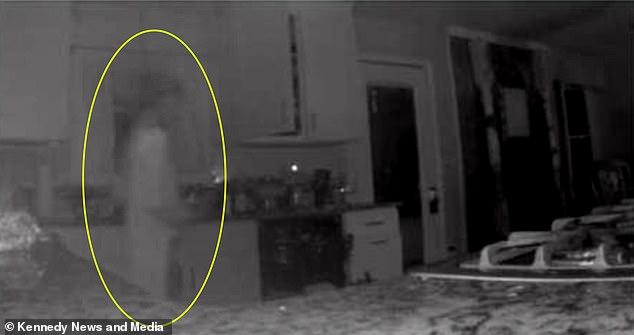 Imagen de fantasma fue captada por cámara de seguridad