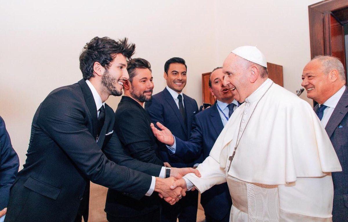 por-que-se-reunieron-sebastian-yatra-y-el-papa-francisco