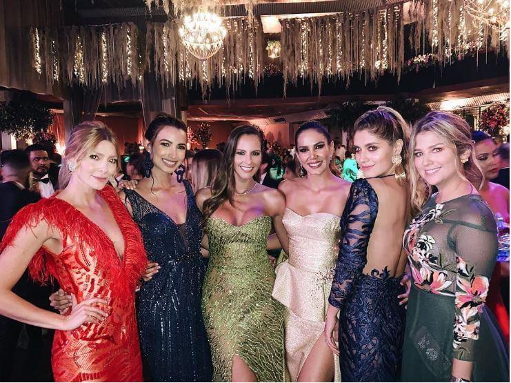 foto de las presentadoras en el matrimonio de Andrea Jaramillo