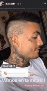Tatuaje de Mateo Carvajal en su cabeza