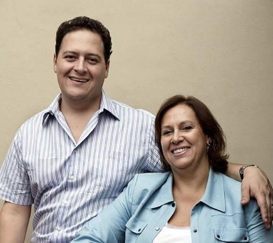 Hijo de Pablo Escobar con su mamá