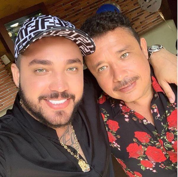 Jessi Uribe con su papá