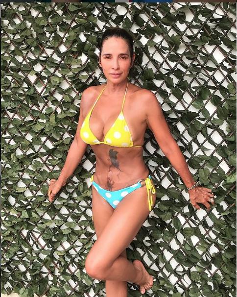 ¿Cómo se ve Luly Bossa en bikini a los 53 años?