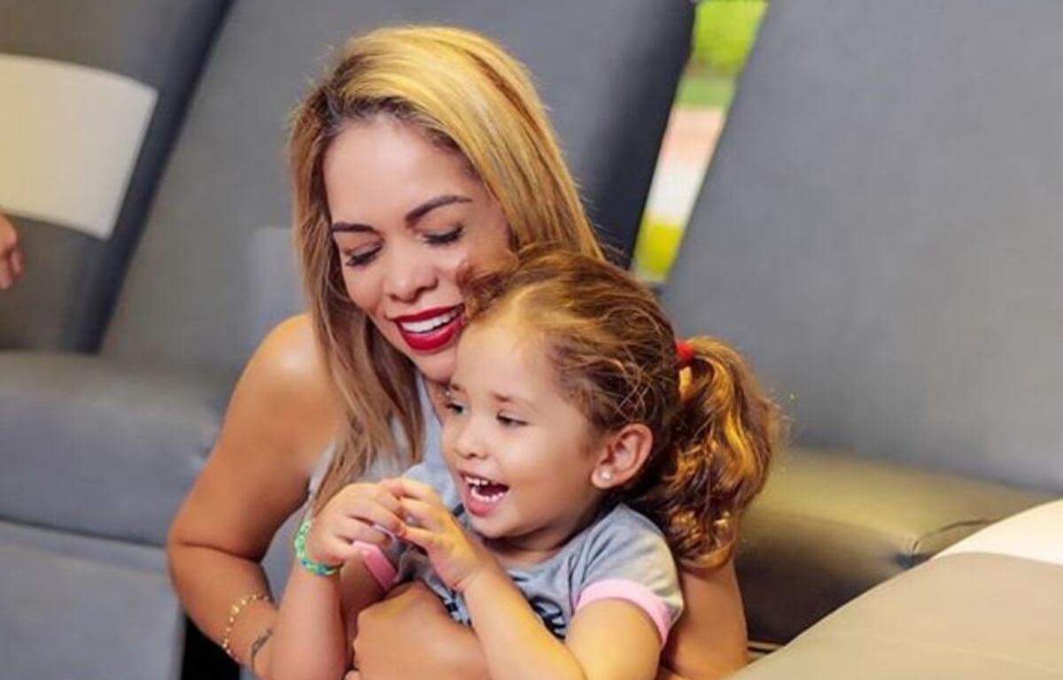 Sandra Barrios cambió de look, después de separación con Jessi Uribe