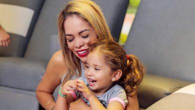 Fotos de Sandra Barrios y Jessi Uribe en el cumpleaños de su hija