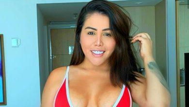 Yina Calderón posó en la bañera y con la cola enjabonada