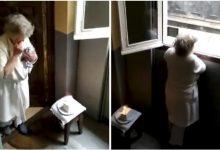 Vecinos festejan cumpleaños de abuelita en cuarentena