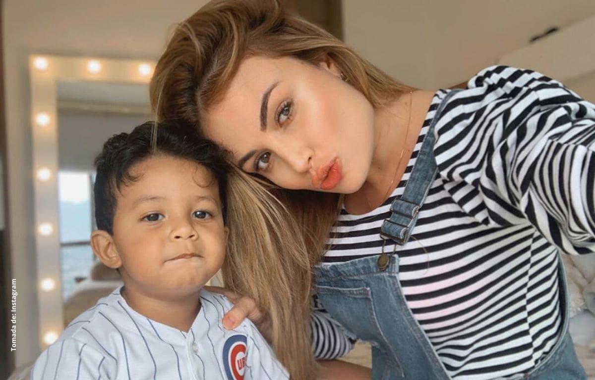 Sara Uribe comparte video de como su hijo no la deja maquillar