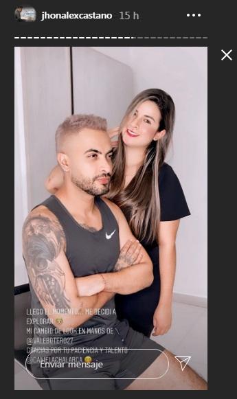 un hombre y una mujer posando para una foto