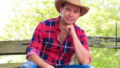 Jhonny Rivera se quiere proclamar rey de Tik Tok