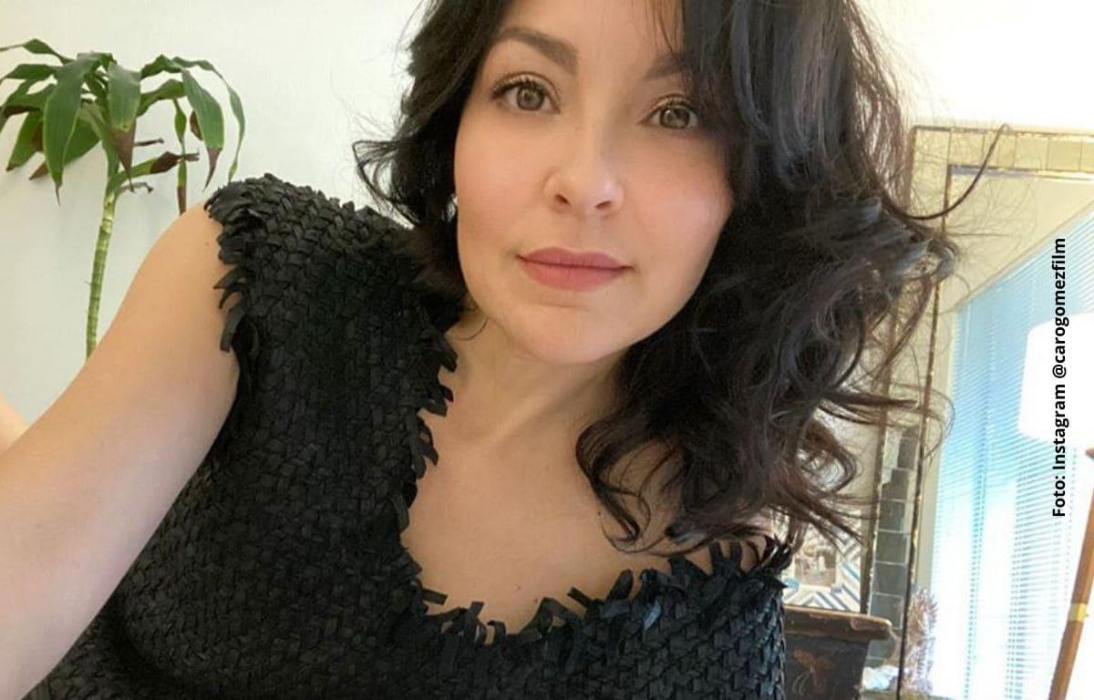 Con tanga Carolina Gómez demostró que los años no le pasan