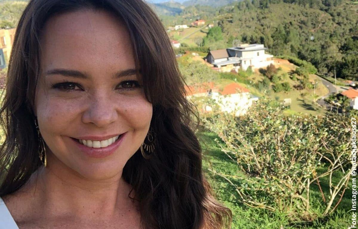 El curioso truco de belleza de Natasha Klauss para verse joven
