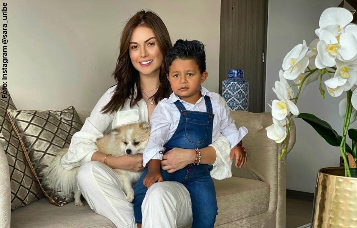 Critican a Sara Uribe por dejar a su hijo hacer travesuras