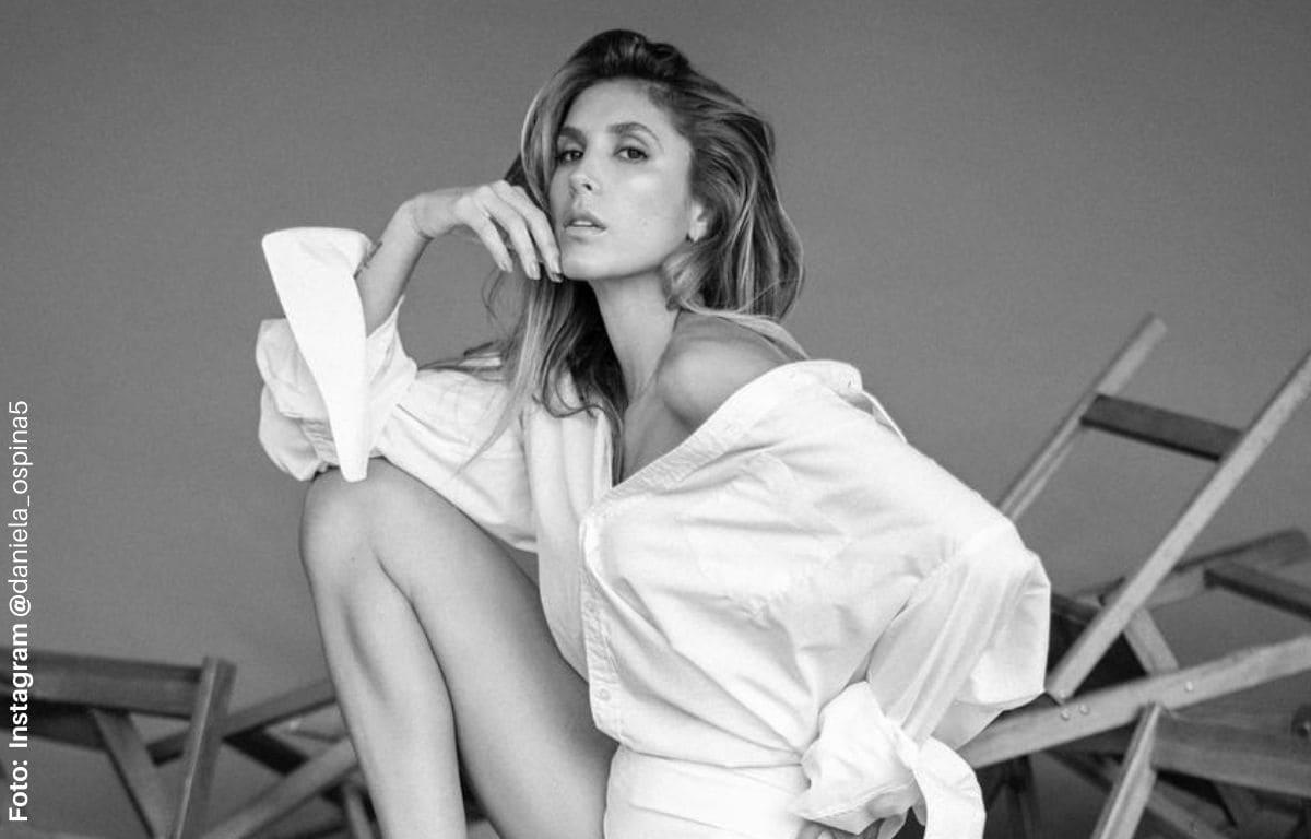 Daniela Ospina derrocha sensualidad en hilo desde la playa