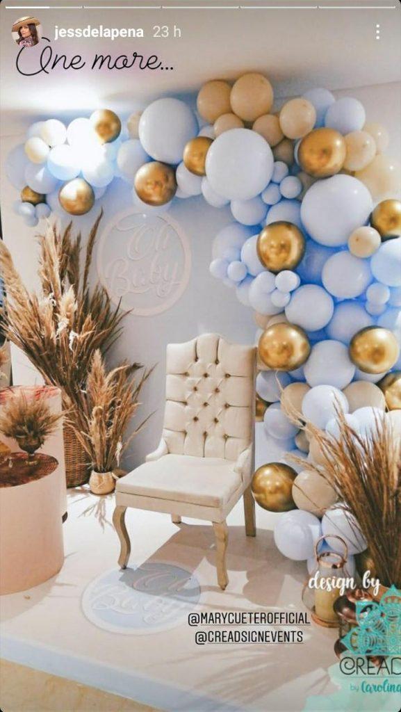 globos, silla color pastel