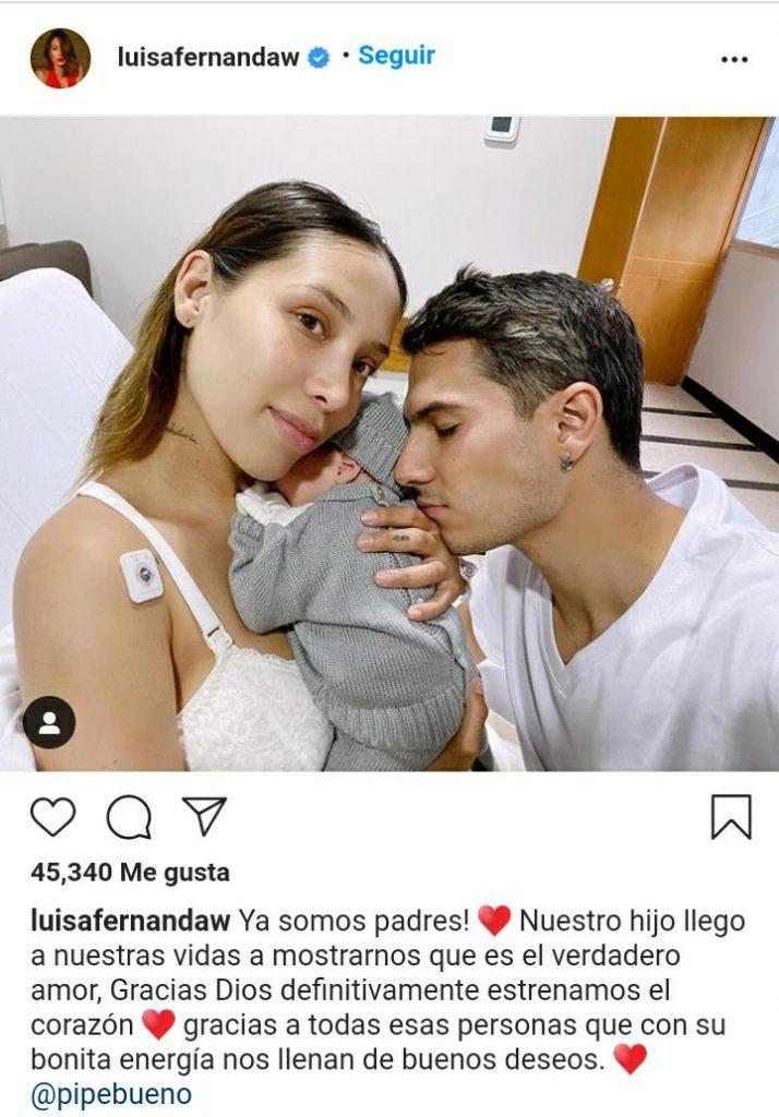 mujer y hombre con un bebé