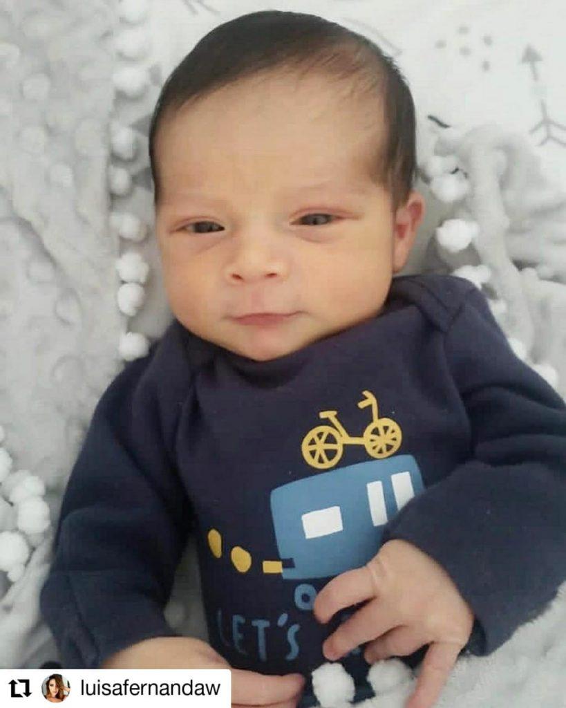 foto de un bebé sonriendo