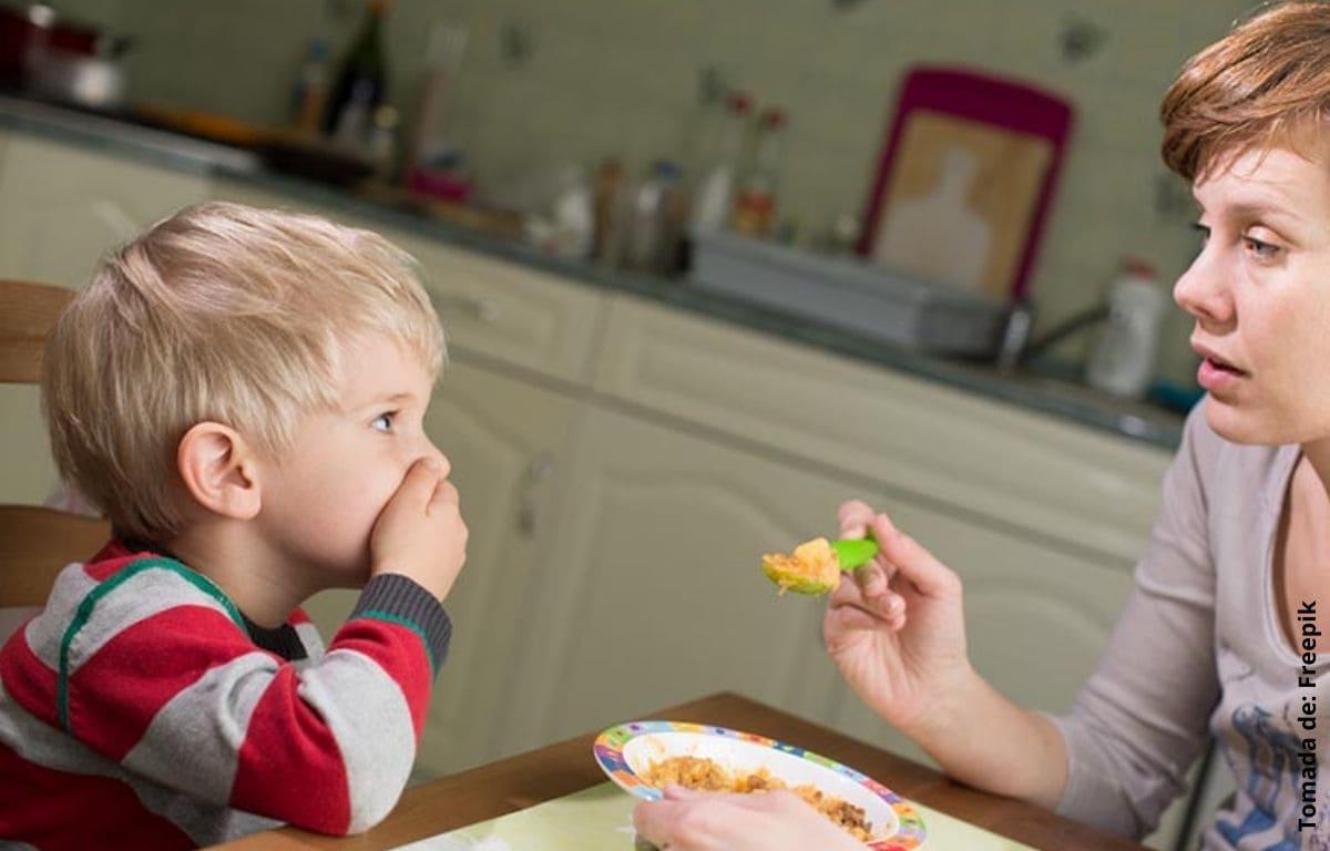 ¿Qué hacer cuando un niño no quiere comer?