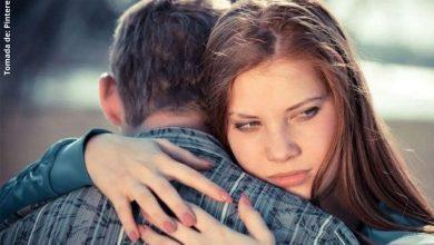 10 señales de que sales con una persona narcisista