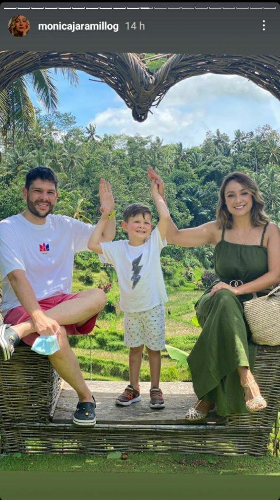 foto de una mujer, un niño y un hombre sonriendo