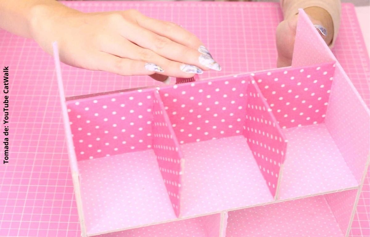 foto de una caja de cartón