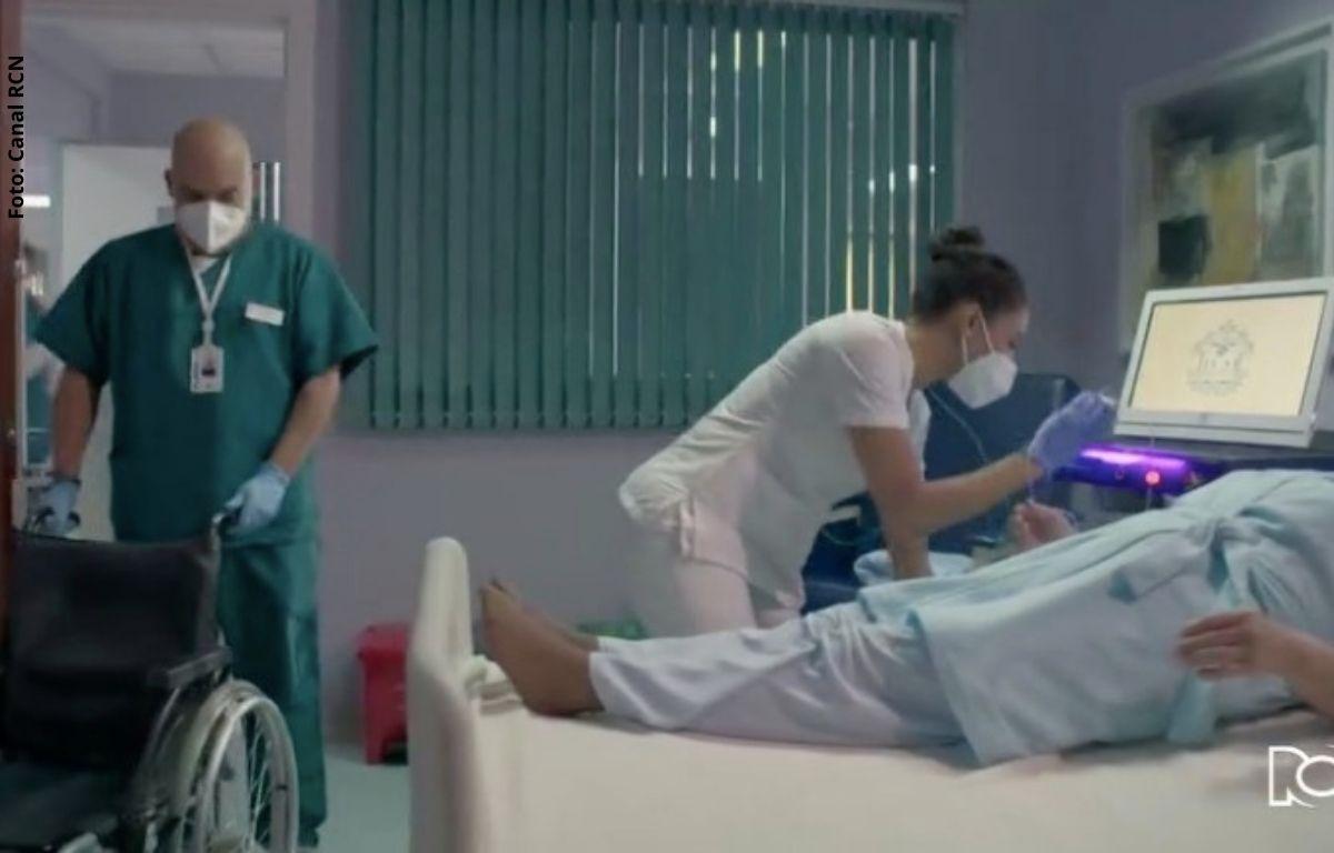 foto de dos enfermeros