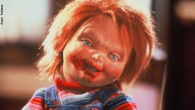 Chucky ataca a personas que no llevan puesto tapabocas