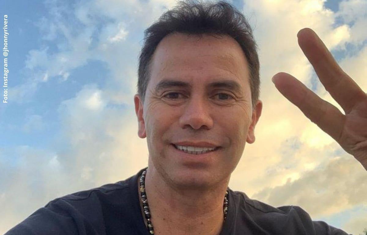 Por falta de privacidad, Jhonny Rivera levanta muro en su finca