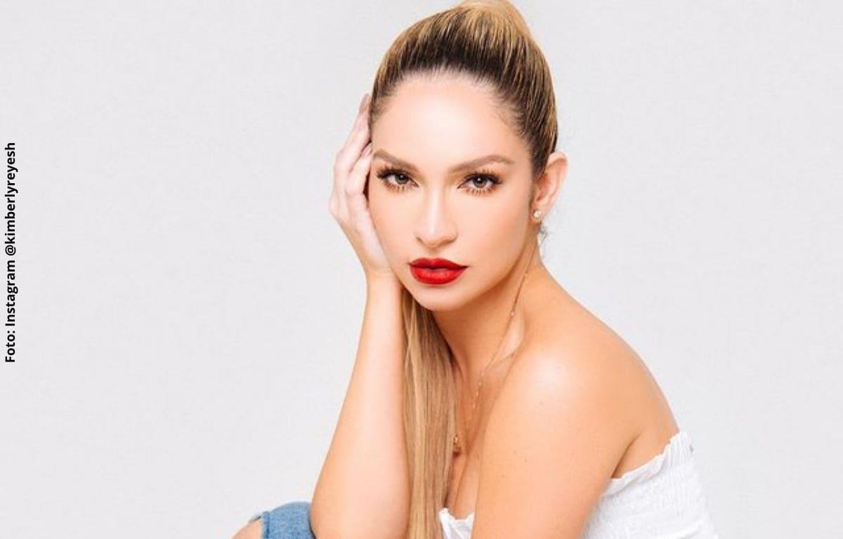 Kimberly Reyes puso a rebotar sus glúteos con reconocida canción