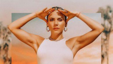 Carolina Gaitán se subió la ropa y enseñó su sensual liguero