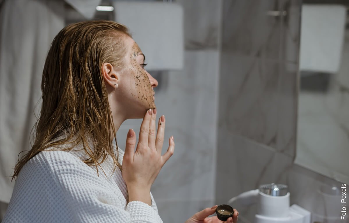 Aprende a hacer una mascarilla de café para la cara