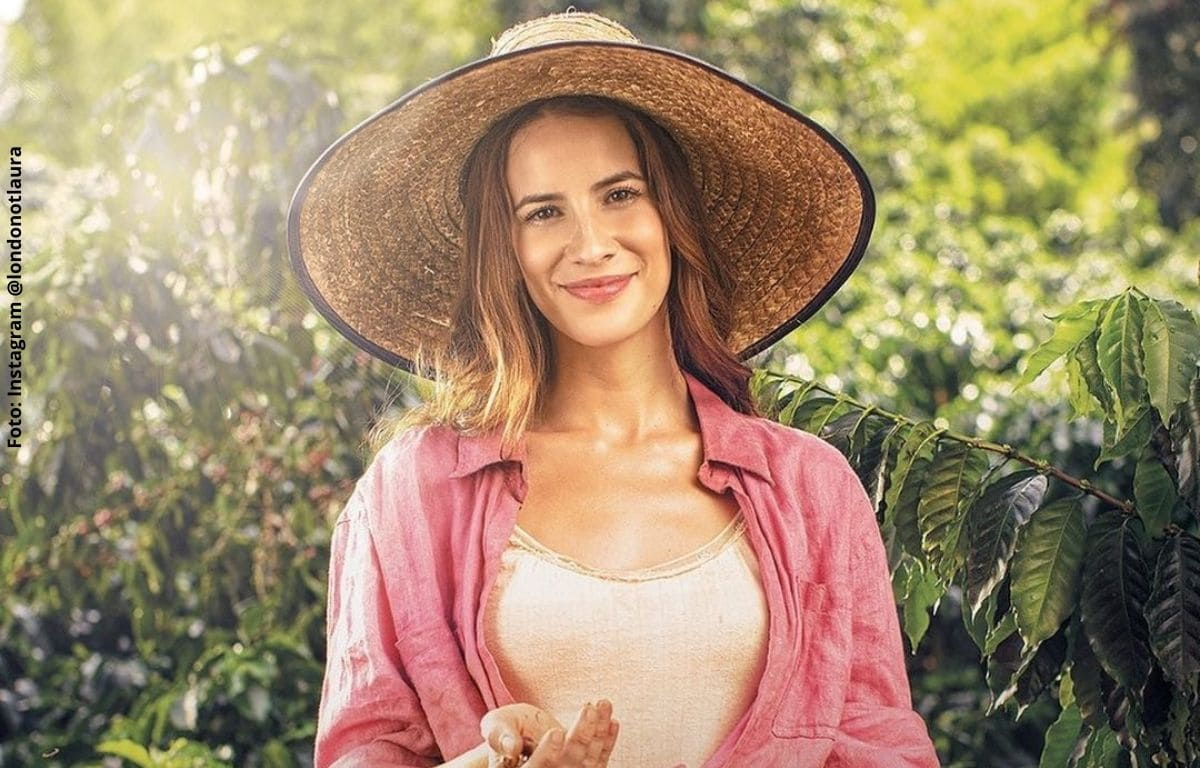 Laura Londoño protagonista de 'Café, con aroma de mujer' cantan a capela