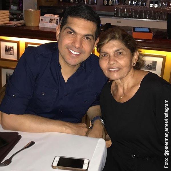 Peter Manjarrés pidió que vacunaran a su mamá y se le hizo el milagrito