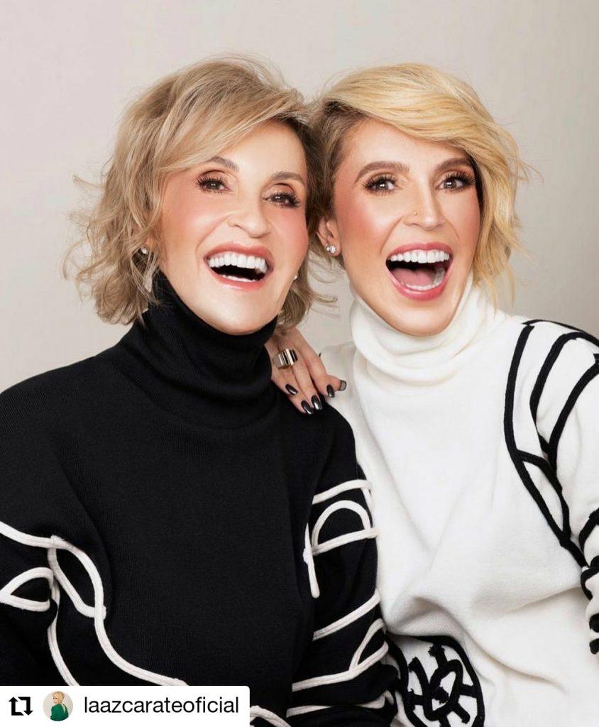 foto de dos mujeres sonriendo
