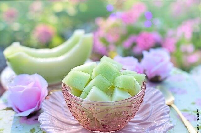 foto de melón cortado