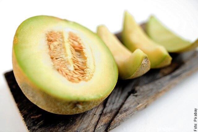 foto de melón cortado y en trozos