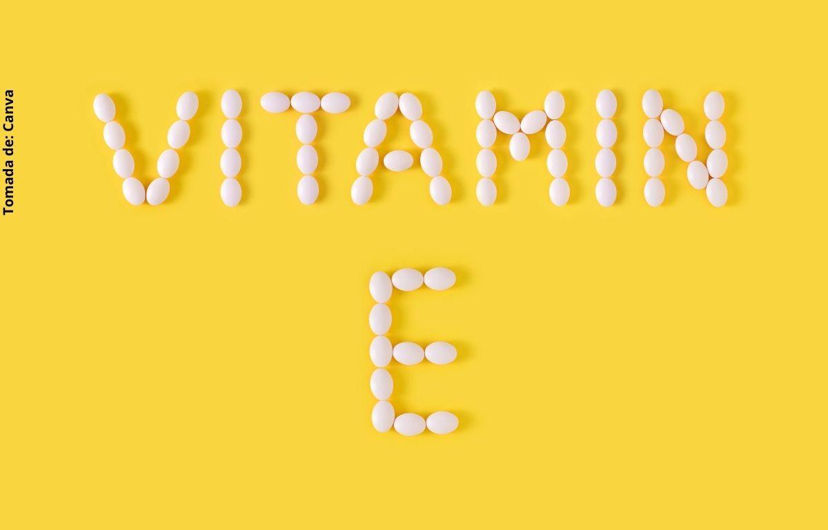foto de unas cápsulas de vitaminas
