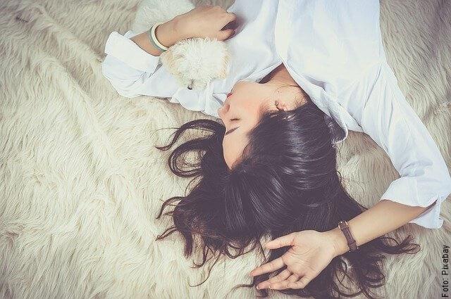 foto de mujer soñando